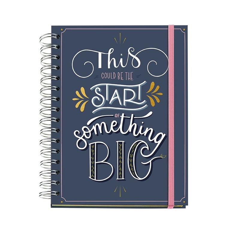 Agenda espiral Día página 2021 Happy Letters Plus Something Big 15,5x21,3cm 34715